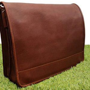 338d6c2637 Δερμάτινη επαγγελματική τσάντα (ταχυδρόμου)